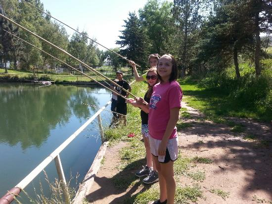 Seeping Springs Trout Lakes and RV Park