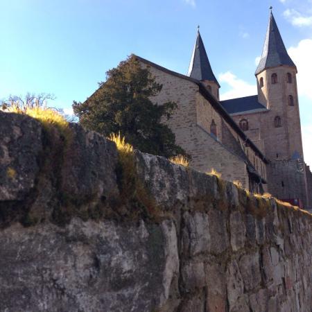 VCH-Hotel Kloster Drübeck: Blick auf die Klosterkirche