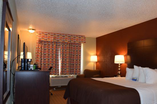 Baymont Inn & Suites Midland Airport: STANDARD KING