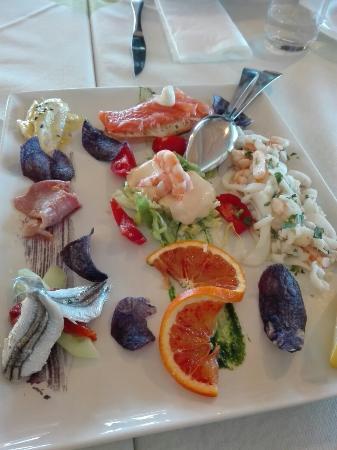 Antipasto di pesce fantastico foto di pomodoro for Pomodoro senigallia