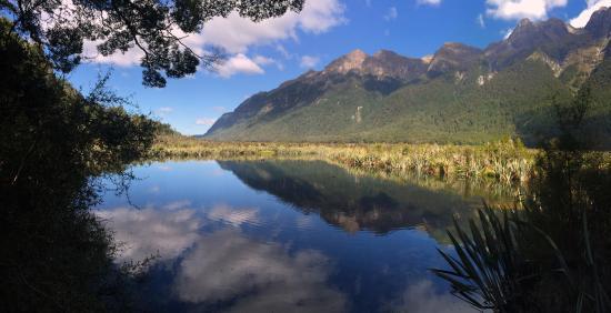 Queenstown, Nueva Zelanda: Mirror Lake, on our way to Milford Sound