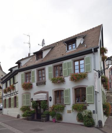 Hostellerie du Chateau: Entrada al Hotel