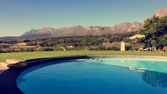 Wildepaardejacht: Dette er udsigten fra poolen. Det er så utrolig smukt og fredfyldt.