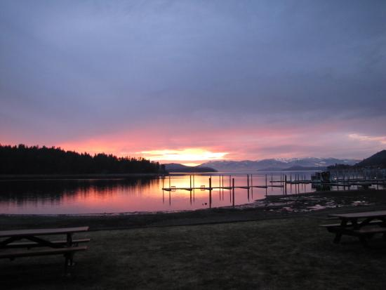 Pend Oreille Shores Resort: evening sunset
