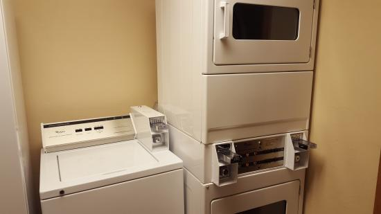 Homestead Suites: Guest Laundry