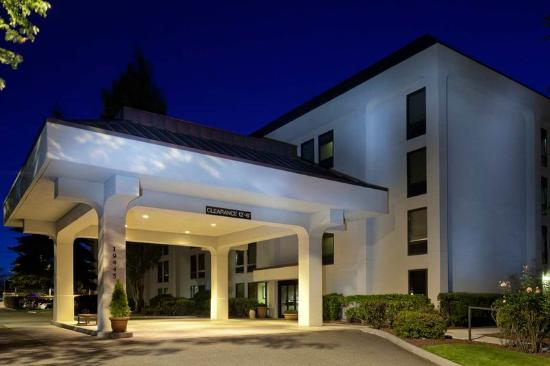 Hampton Inn Seattle Airport