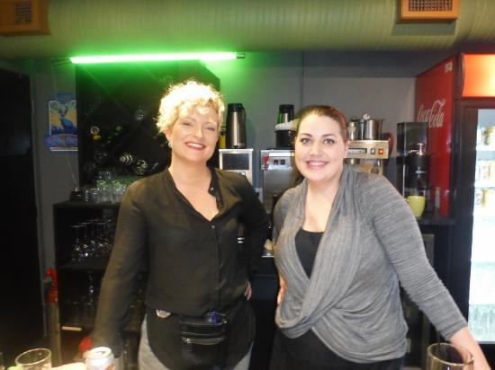 Courtenay, Canada: Mad Chef Staff