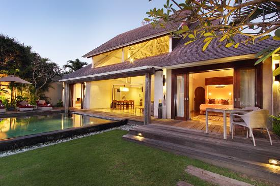 Space at Bali: Pool and Tropical Garden