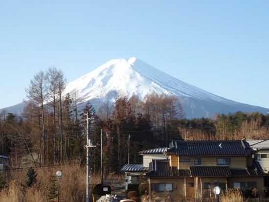 Resort Inn Fuyo : มองจากหน้าต่างด้านหลัง