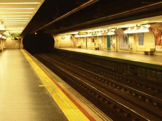 Foto De Madrid Metro Madrid Santo Domingo Metro Station