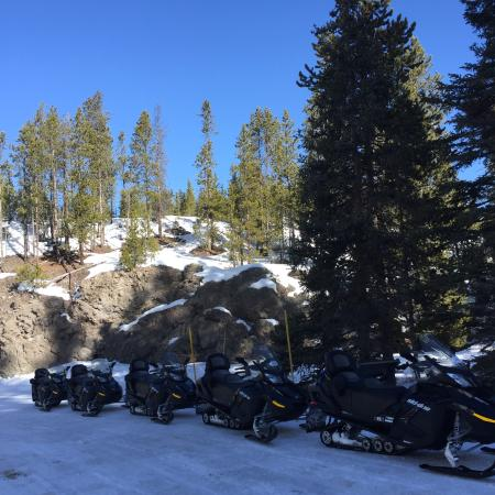 Back Country Snowmobile Adventures : Awesome snowmobile trip in West Yellostone!  Thanks Carl!
