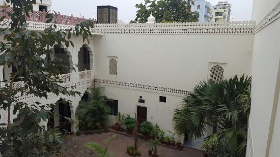 Heritage Khandwa Haveli Hotel Photo
