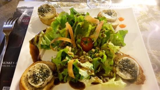 salade de ch vre chaud picture of cote vignes beaumes. Black Bedroom Furniture Sets. Home Design Ideas
