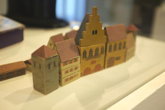 Jewish Museum: Anne Franks toy bricks
