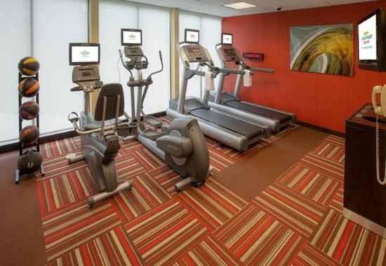Courtyard Danbury: Fitness Room
