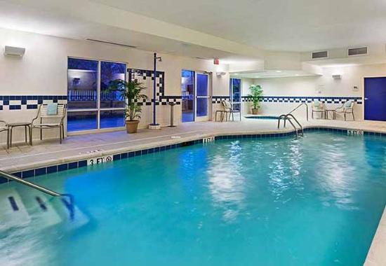 Fairfield Inn & Suites Chattanooga South/East Ridge: Indoor Pool & Spa