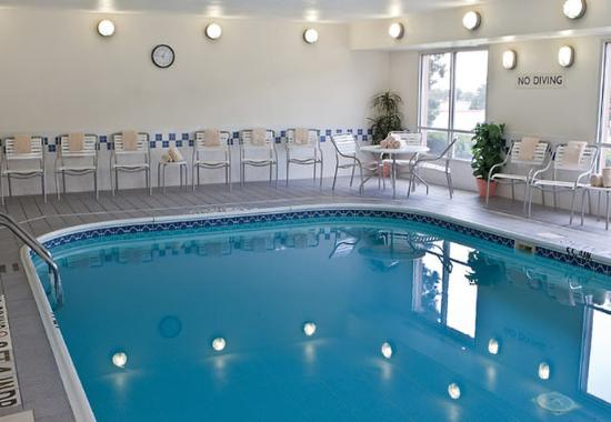 Fairfield Inn & Suites Norman: Indoor Pool
