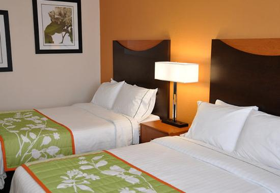 Fairfield Inn & Suites Nashville at Opryland : Double/Double Guest Room