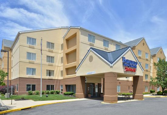 Fairfield Inn & Suites Mt. Laurel: Exterior