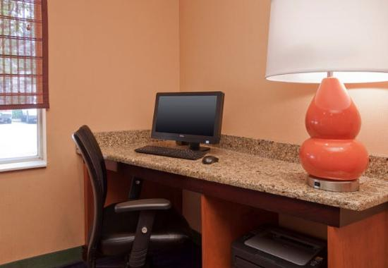 Jackson, MS: Business Center