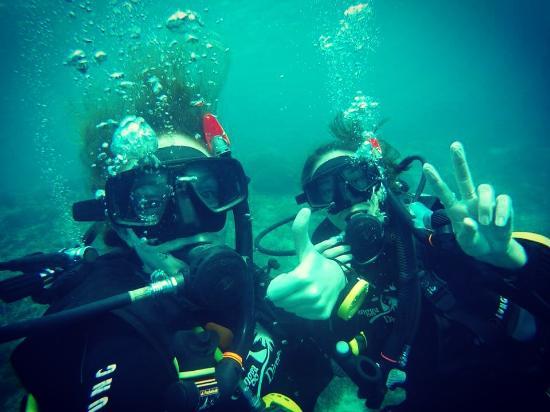 Gangga Divers at Villa Almarik: completely satisfied!
