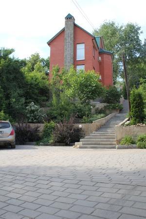 Фасад гостиница Липовская в Липецке