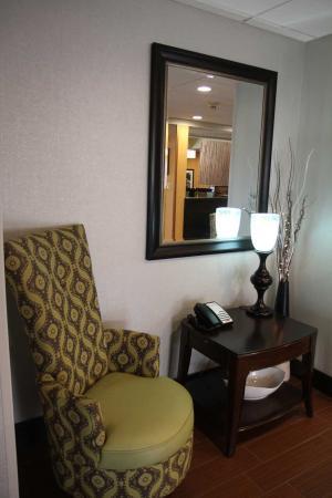 Greeneville, TN: Lobby Seating