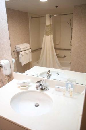 Greeneville, TN: Accessible Bathroom