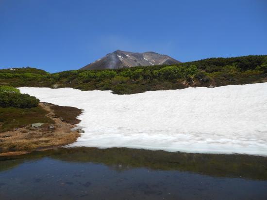 Asahidake Natural Hiking Route: 姿見駅から見える大雪山