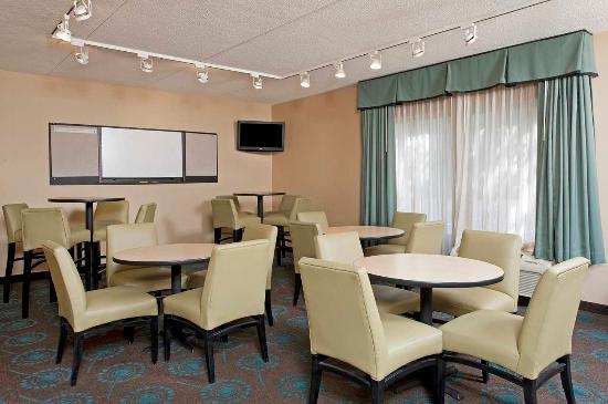 Hampton Inn Bloomington: Meeting Space