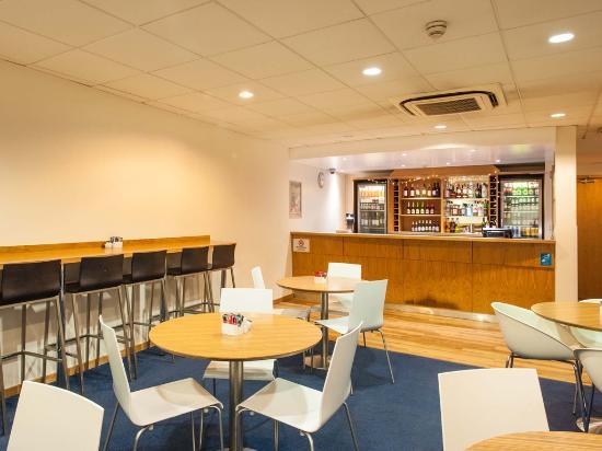 Travelodge London Central Euston: Bar Cafe