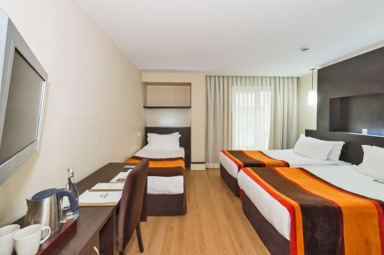 Hotel Beyaz Saray: Triple Room