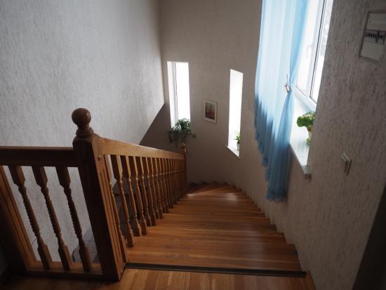Kraslava, Lettland: Лестница в отеле