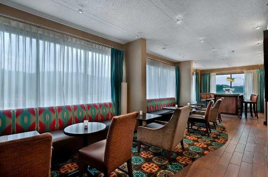 Hampton Inn Cherokee: Breakfast Dining Area