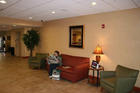 Belle Vernon, PA: Lobby Area with person