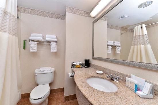 Deer Park, TX: Bathroom