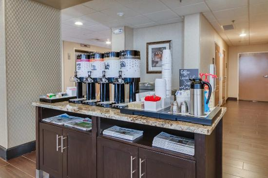 Hampton Inn & Suites Las Cruces I-25: Coffee Station Area