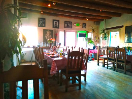 Stella's Italian Restaurant: Quaint and comfortable!
