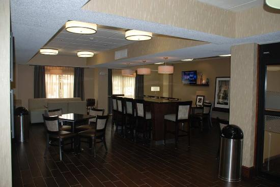 Hampton Inn Darien-I-95: Lobby Seating