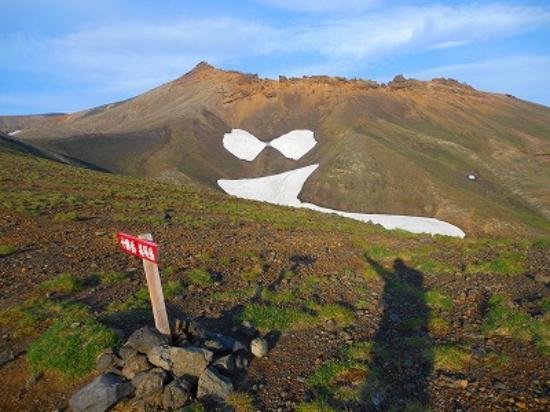 Mt.Tokachi: 十勝岳まで厳しい登り