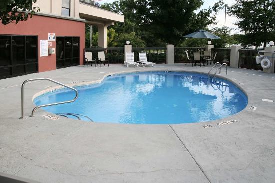 Mebane, Северная Каролина: Outdoor Pool