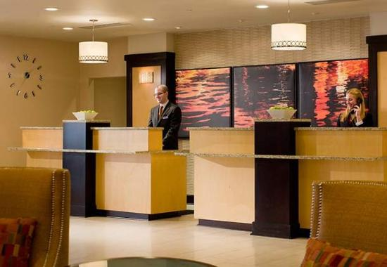 Providence Marriott Downtown: Front Desk