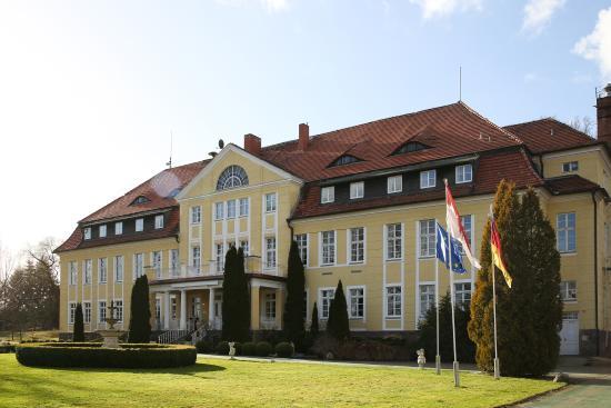 Parkhotel Schloss Wulkow: Außenansicht