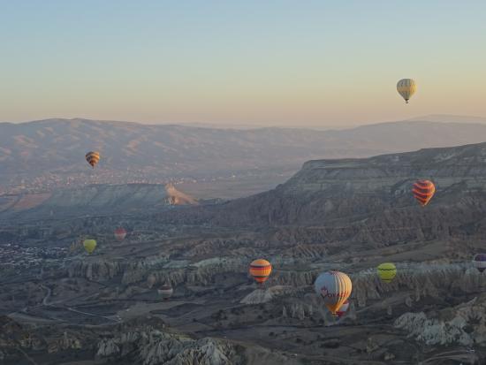 Turkey hot air balloon - Picture of Turkiye Balloons ...