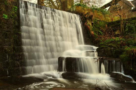 Мэтлок, UK: waterfalls at lumsdale by swift314