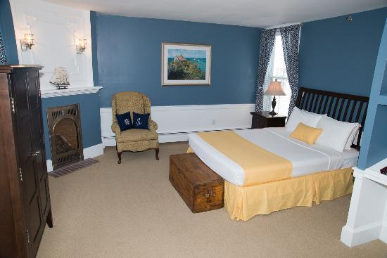 Essex Street Inn & Suites: One Room Suite