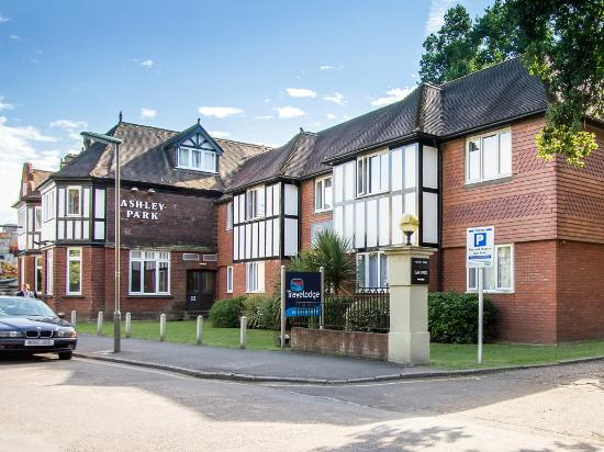 Travelodge Walton-On-Thames