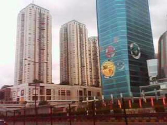 Apl Tower And Taman Anggrek Mall Apartment