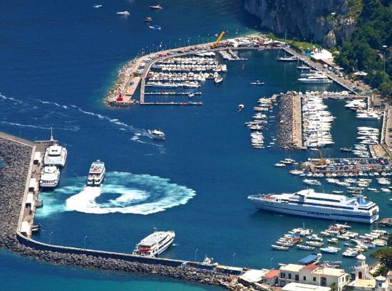 Capri Day Tour: Capri port