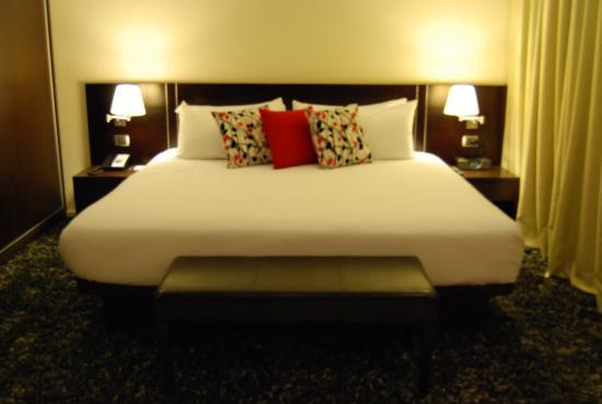 Hotel Cima: Suite Ejecutiva con amplia Sala de estar y comedor, cuenta con una terraza al aire libre